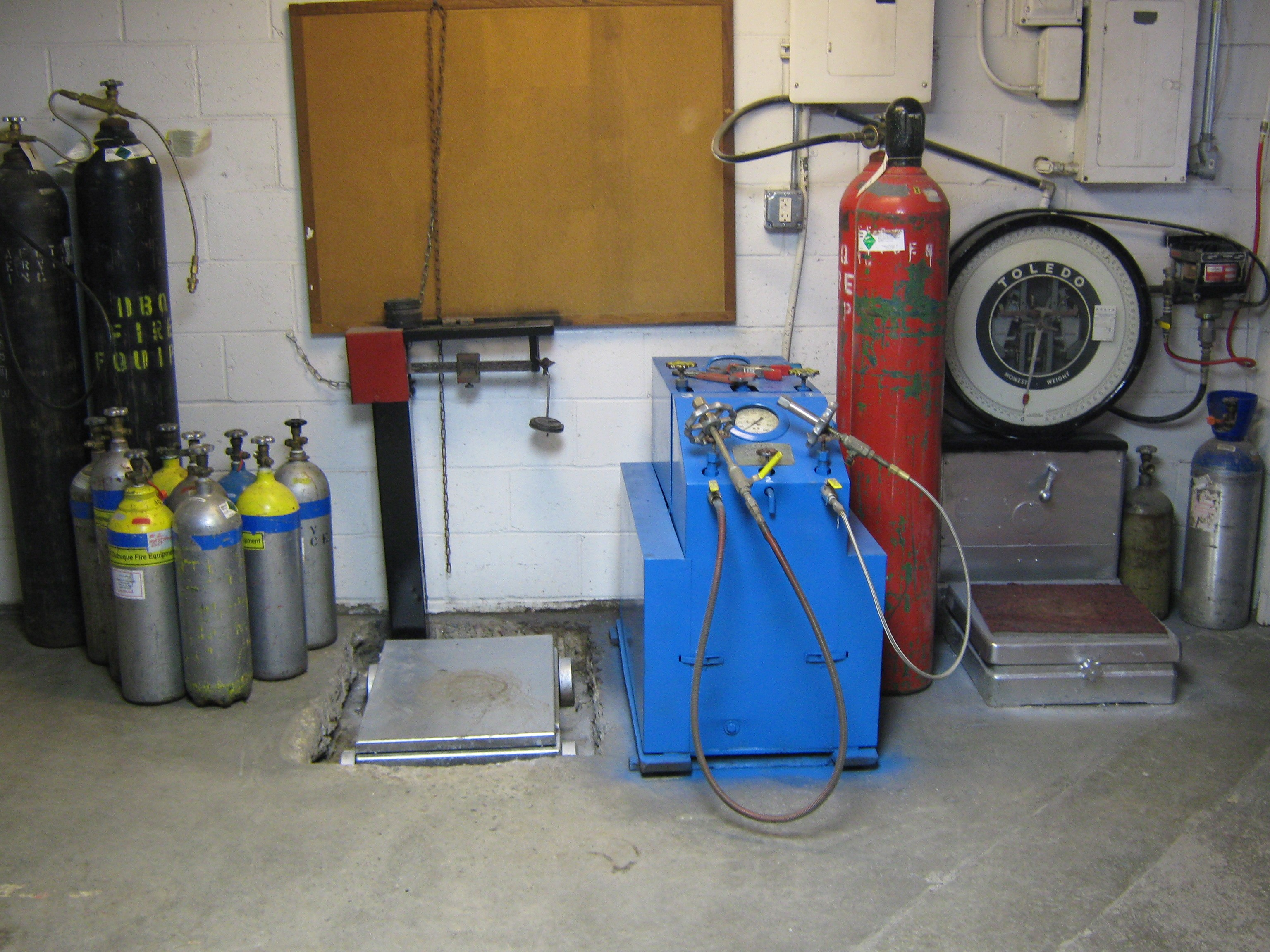 Nạp sạc bảo trì bình chữa cháy khí CO2 MT kiêm thay thế phụ kiện cứu hỏa kèm theo uy tín giá rẻ tại TPHCM, Bình Dương - Bảng báo giá 2015 2