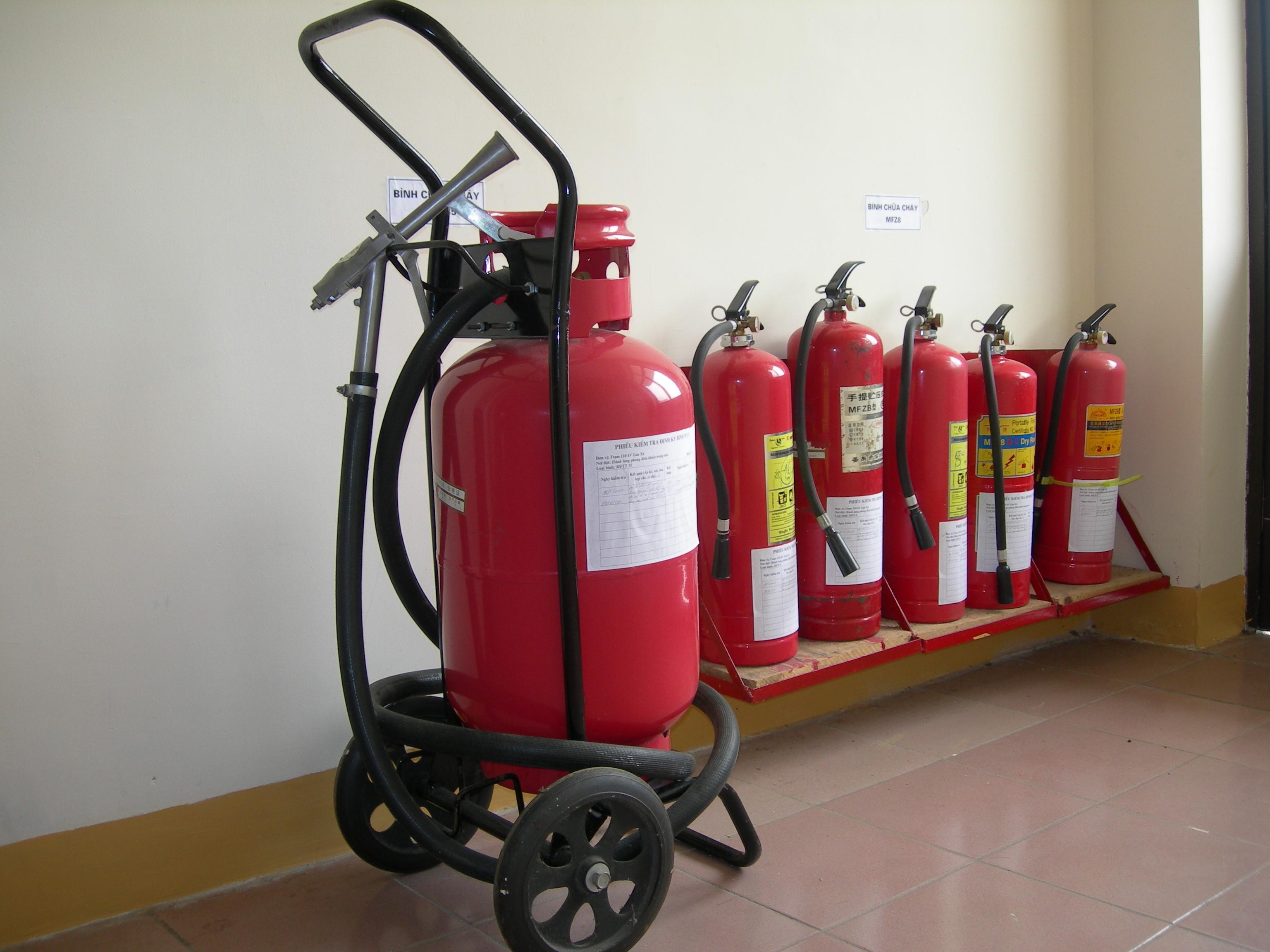 Bảng giá bán bình cứu hỏa bột khô BC MFZ kèm phụ kiện thiết bị chữa cháy uy tín chất lượng 2015 1