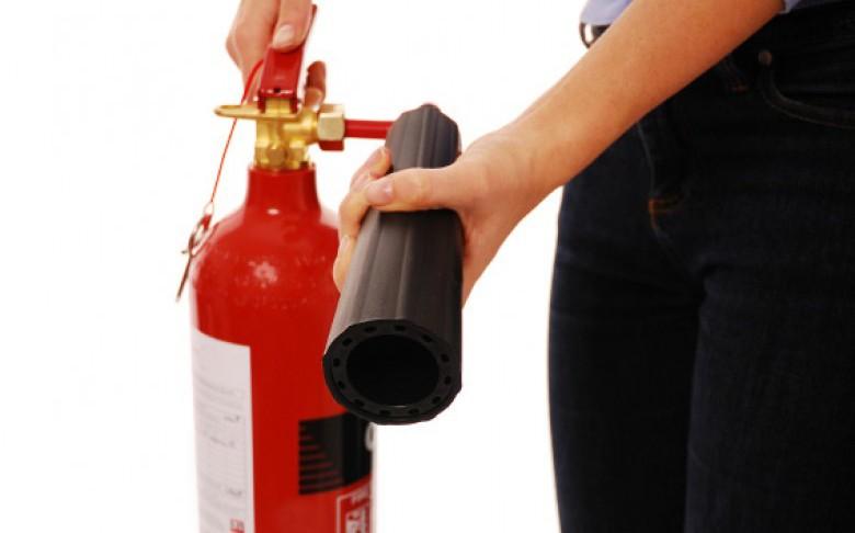 Báo giá năm 2015 - Bình chữa cháy kèm một số thiết bị cứu hỏa phục vụ an toàn pccc trong khu vực TPHCM, Bình Dương