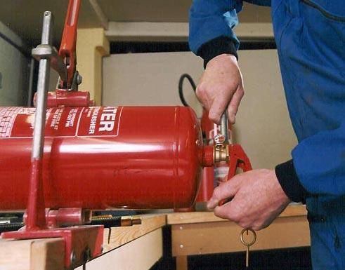 Dịch vụ bảo dưỡng nạp sạc bình cứu hỏa kèm thay thế phụ kiện thiết bị chữa cháy miễn phí với số lượng nhiều tại TPHCM, Bình Dương 2